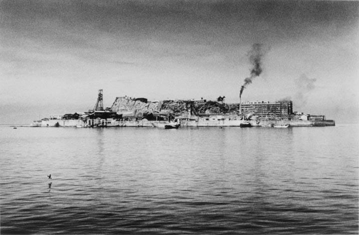 「奈良原一高 軍艦島」の画像検索結果